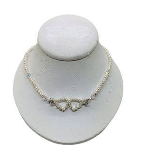 Jewelry - Pearl angel wing necklace